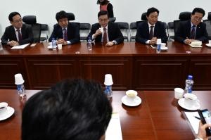 새누리 6인 협의체-초재선 의원 간담회