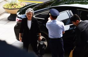 강경화 외교부 장관 출근