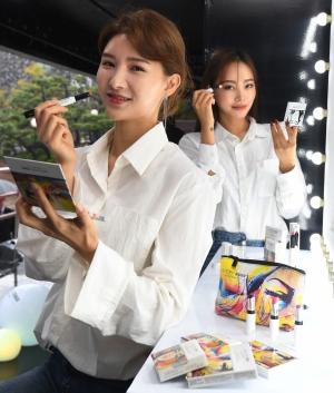 한국암웨이, 부산영화제 뉴욕 거리 미술 작품 공개