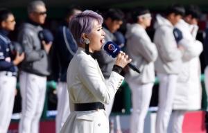 KS 애국가 열창하는 박기영