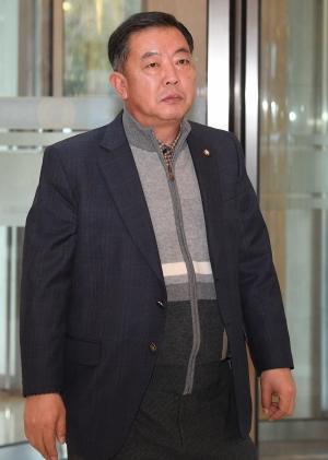 이재수 전 기무사령관 빈소 찾은 국회의원들