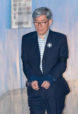 원세훈 전 국정원장 증인 출석