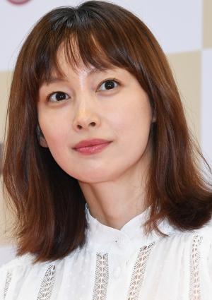 사인회 참석한 이나영, '방부제 미모'