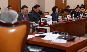 여당 의원 없는 법사위 전체회의
