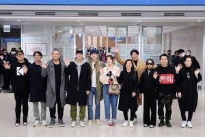 영화 '기생충' 주역들, 아카데미 시상식 마치고 귀국