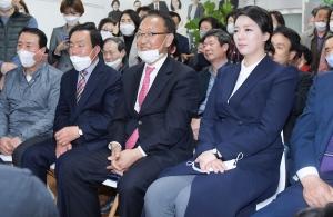 당선 소감 밝히는 송파을 배현진 미래통합당 후보