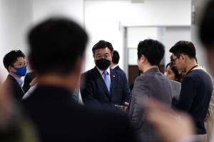 민주당, 오거돈 성추행 사퇴에 입장 발표
