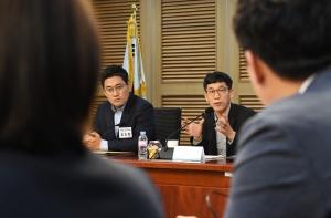 미래통합당 토론회 참석한 진중권