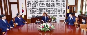 박병석 국회의장 예방한 노영민 대통령 비서실장