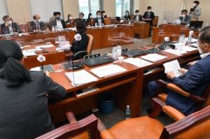 정무위 소위원회