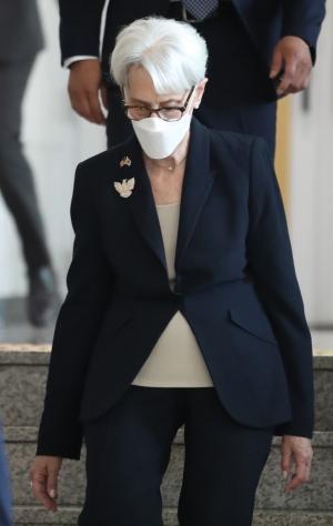 웬디 셔먼 미 국부무 부장관 정의용 외교부 장관 예방